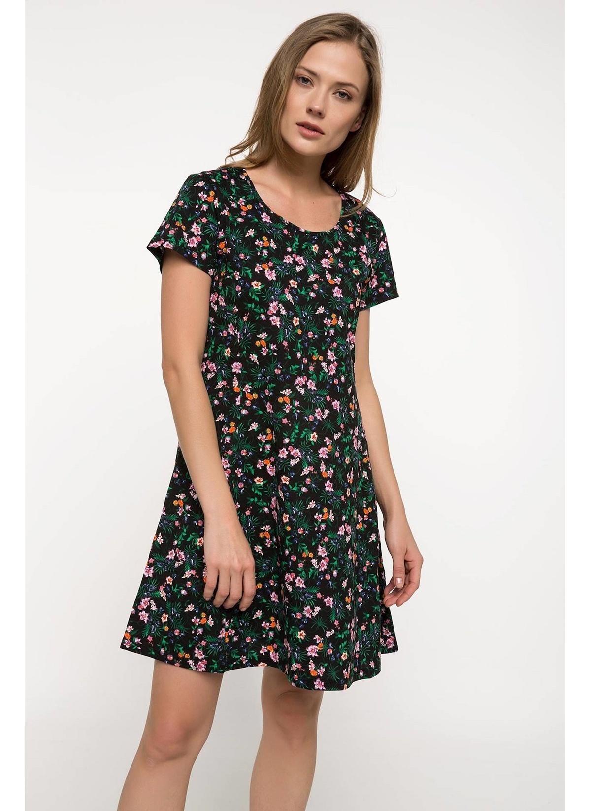 Defacto Çiçek Desenli Elbise G7613az18smbk27elbise – 39.99 TL